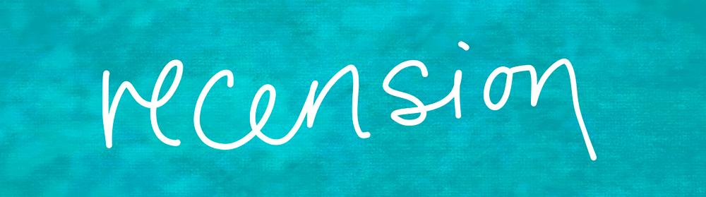 Recension. En Turkos Färgad Platta Med Ordet Recension Skrivit För Hand